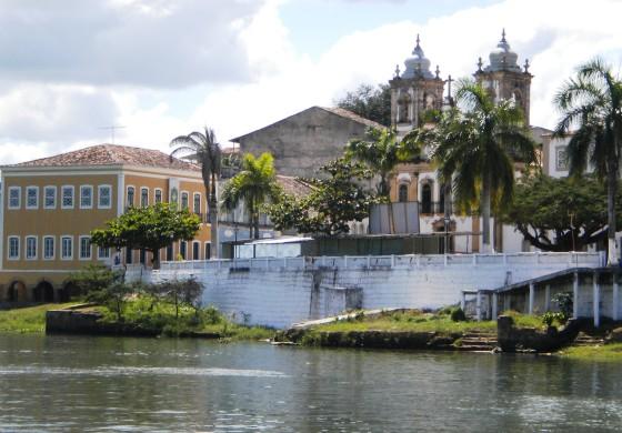 Vista do Museu Paço Imperial e Igreja de N. Srª da Corrrente - Penedo/AL