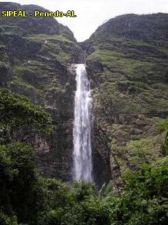 Cachoeira Casca D'Anta - formada pelas águas do Velho Chico