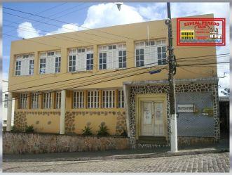 Sobrado da Biblioteca de Penedo - Edificação de Arquitetura moderna, fundada em 1957 - Praça. Floriano Peixoto 164 - Penedo/AL (Brasil)