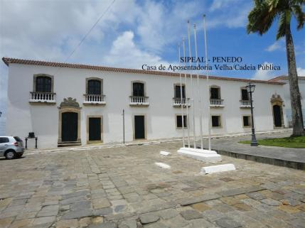 Cadeia Pública (piso térreo) e Casa de Aposentadoria Velha (piso superior - Pça Barão de Penedo, 19 - Centro - Penedo-AL. (Brasil)