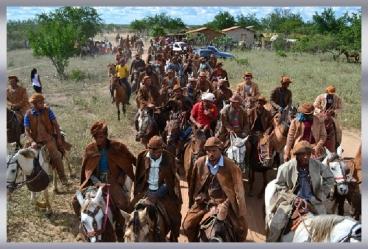 Vaqueiros em deslocamento à Mata - Fev2015 - José de Freitas-PI (Brasil)